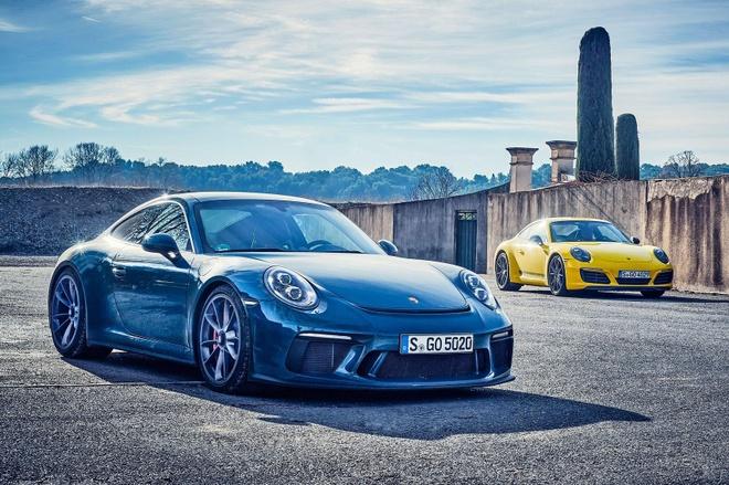 Sieu xe hang hiem bi dau co, Porsche dau dau xu ly hinh anh 8