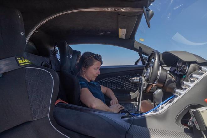 Bugatti Divo 'thu lua' tai sa mac khac nghiet nhat hanh tinh hinh anh 4