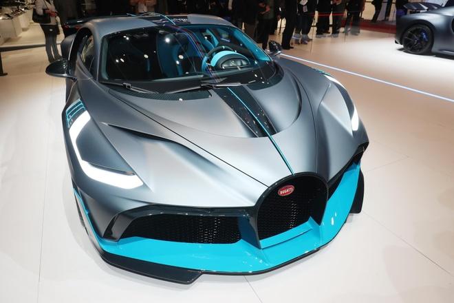 Bugatti Divo 'thu lua' tai sa mac khac nghiet nhat hanh tinh hinh anh 6