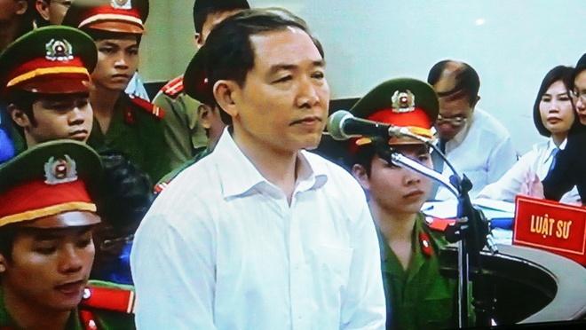 Loi noi sau cung cua Duong Chi Dung hinh anh 1 Dương Chí Dũng tại phiên phúc thẩm. Ảnh: Tuổi Trẻ.