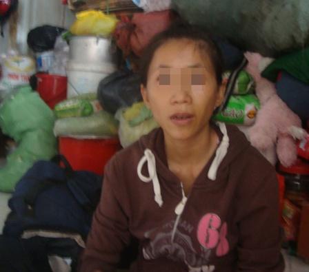 Người mẹ cho biết con gái bị dụ dỗ vì mắc chứng bệnh tâm thần không nhận thức rõ mọi chuyện.