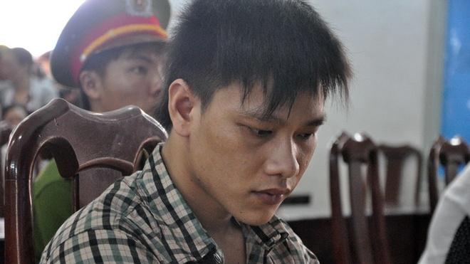 Tu hinh thanh nien giet nguoi de quyt no hinh anh 1 Bị cáo Trần Đức Minh trước tòa.