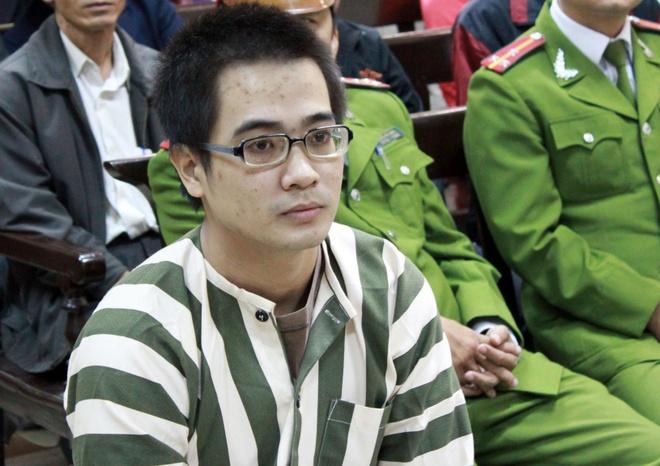 Hanh trinh gay an den luc den toi cua Nguyen Duc Nghia hinh anh