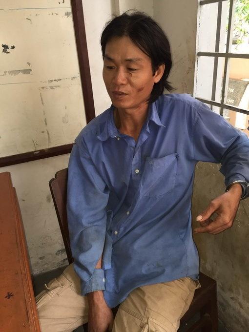 Dung dao dam thung mat ban nhau hinh anh 1 Nguyễn Tấn Nhàn tại cơ quan công an.