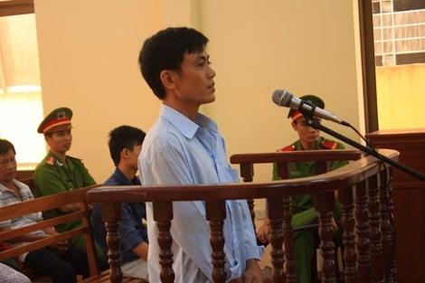 Tuyen an vu 'bat troi ke trom bi khoi to' hinh anh 1  Bị cáo Nguyễn Văn Trình tại tòa.