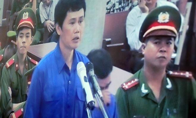 Sep nganh duong sat trong vu lot tay 11 ty linh 12 nam tu hinh anh 2 Bị cáo Phạm Hải Bằng nói lời sau cùng tại phiên xử. Ảnh: Đỗ Mến.