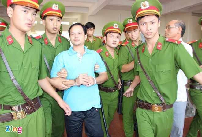 Con ruoi trong chai Number 1 anh 1