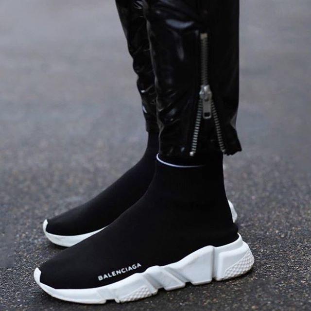Mau sneaker nao dang hot nhat nua dau nam 2017? hinh anh 1