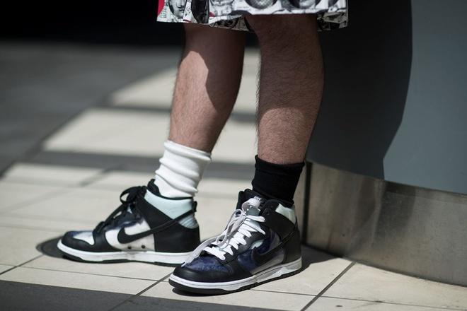 Nhung mau sneaker an tuong tai Tokyo Fashion Week thu dong 2017 hinh anh 4