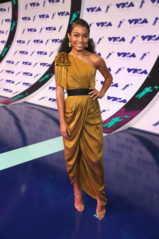 Nhung bo canh long lay va tham hoa tai MTV VMAs 2017 hinh anh 5