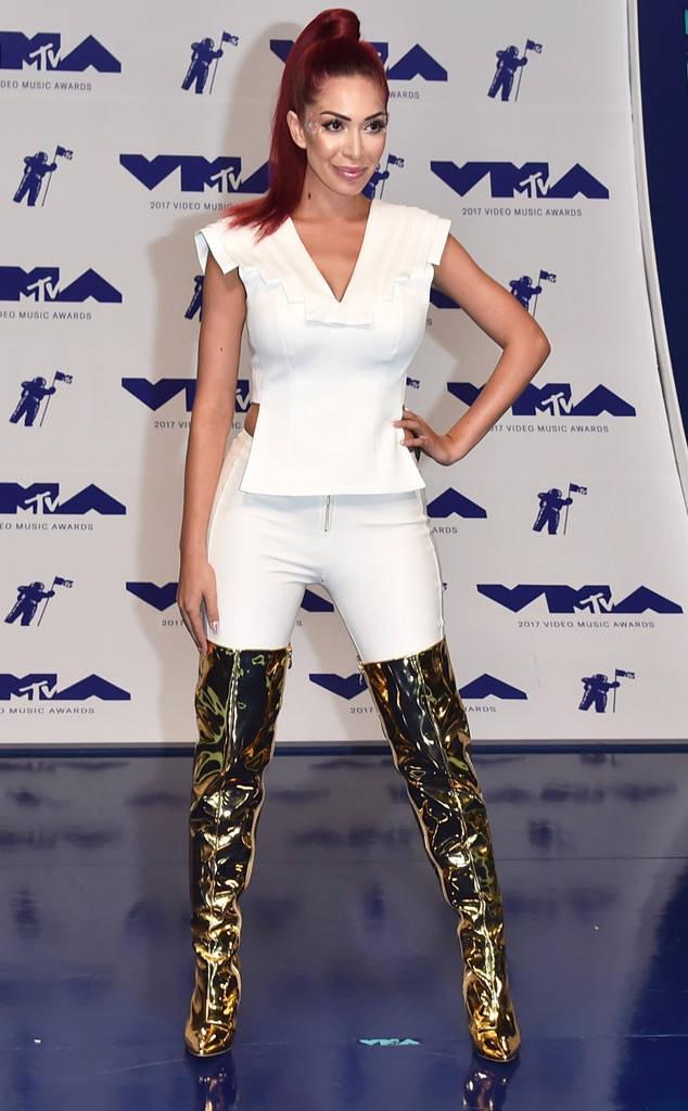 Nhung bo canh long lay va tham hoa tai MTV VMAs 2017 hinh anh 11