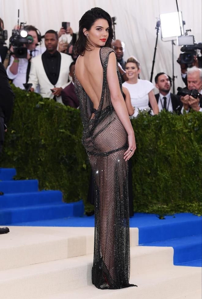 Nhung bo canh xung danh bieu tuong thoi trang cua Kendall Jenner hinh anh 10