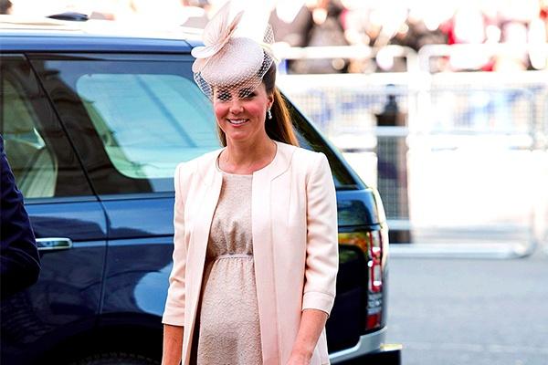 Phong cach thoi trang bau cua Cong nuong Kate Middleton hinh anh