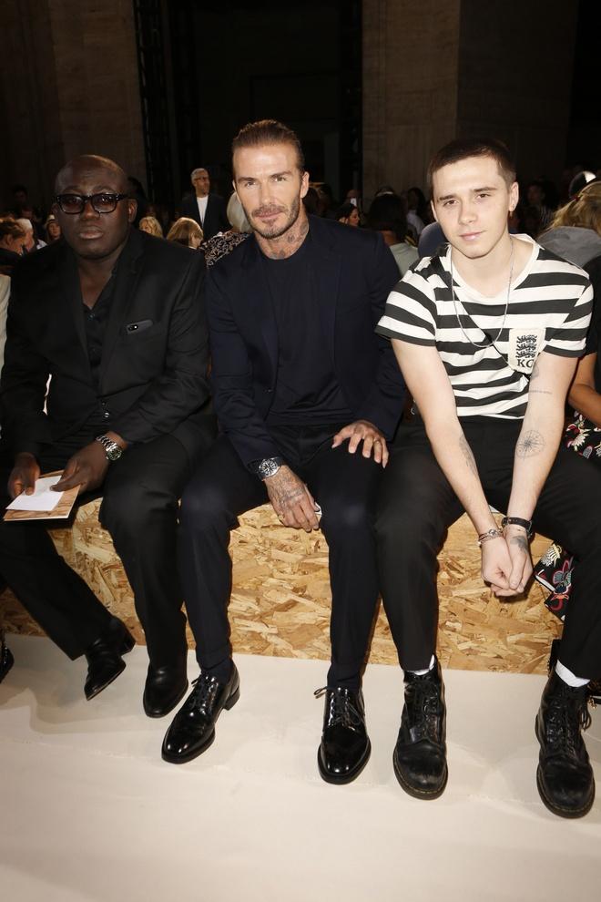 Beckham va con trai ngoi hang ghe dau o tuan le thoi trang New York hinh anh 1