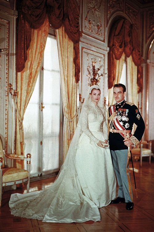 Dang Thu Thao 'trung' y tuong vay cuoi voi cong nuong Grace Kelly hinh anh 5