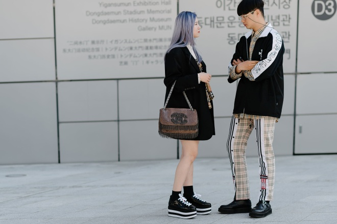 Xu huong street style len ngoi tai tuan le thoi trang Seoul anh 1