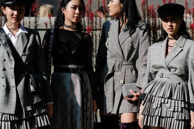 Xu huong street style len ngoi tai tuan le thoi trang Seoul anh 3