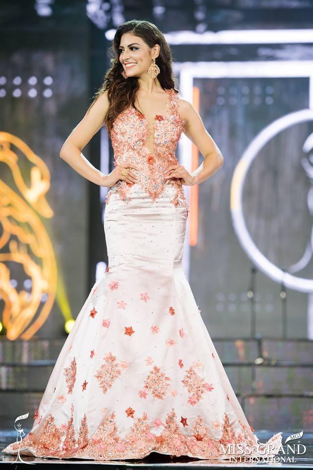 Nhung mau dam da hoi kem xinh tai ban ket Hoa hau Hoa binh 2017 hinh anh 10