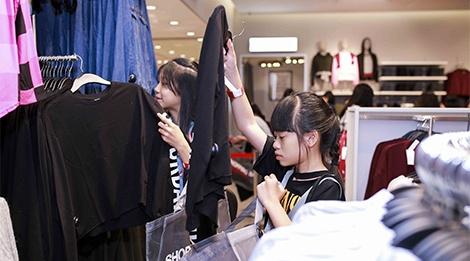 San pham nao duoc gioi tre Viet san don nhieu nhat tai H&M? hinh anh