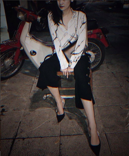 A hau Tu Anh sanh dieu voi trang phuc hang hieu anh 8