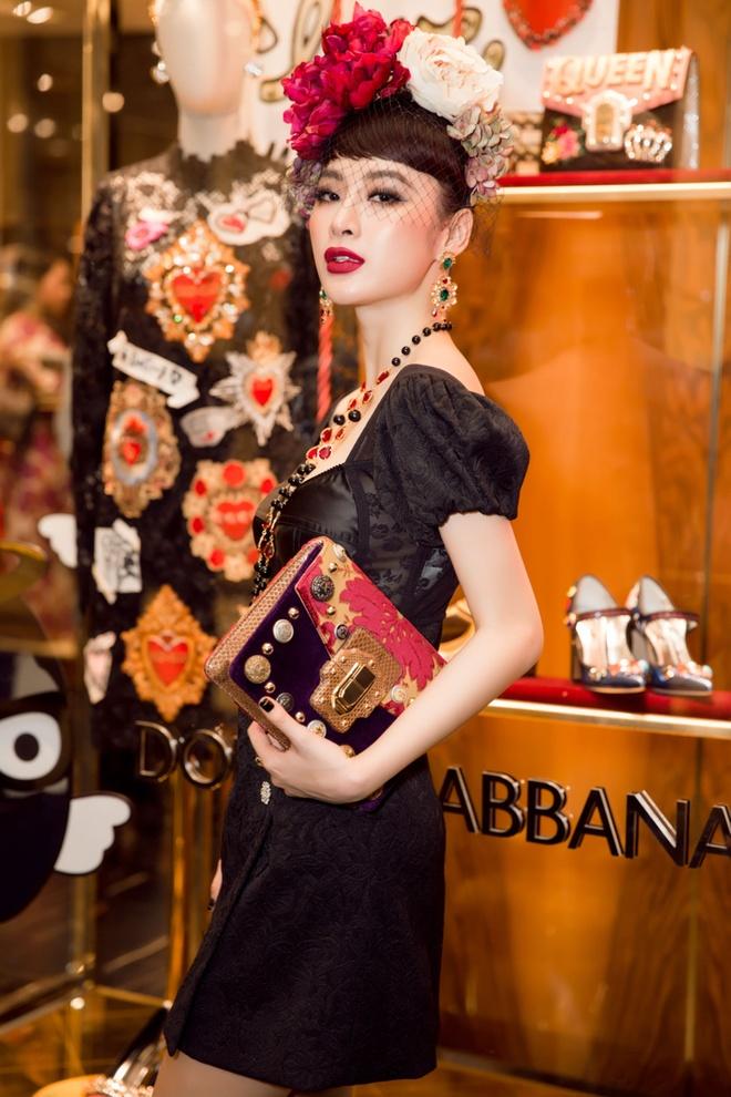 Angela Phuong Trinh, Rocker Nguyen hoa quy toc chau Au hinh anh 3