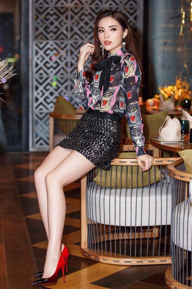 Angela Phuong Trinh, Chi Pu mac dep nhat tuan qua hinh anh 7