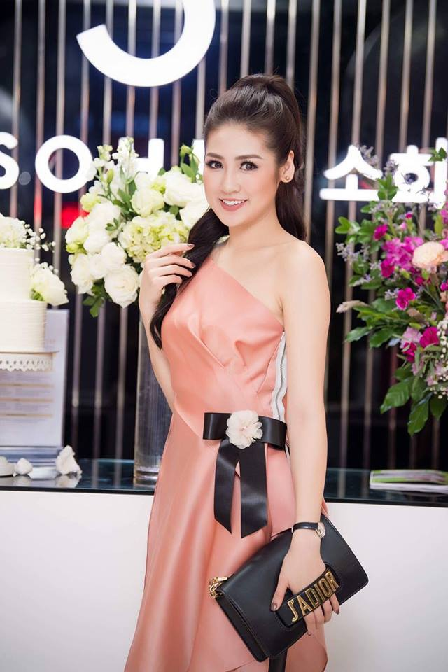Angela Phuong Trinh, Chi Pu mac dep nhat tuan qua hinh anh 8