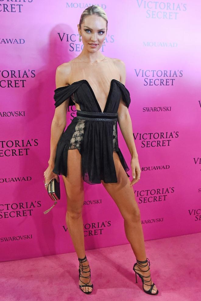 Alessandra Ambrosio dan con gai toi tham hong Victoria's Secret hinh anh 4
