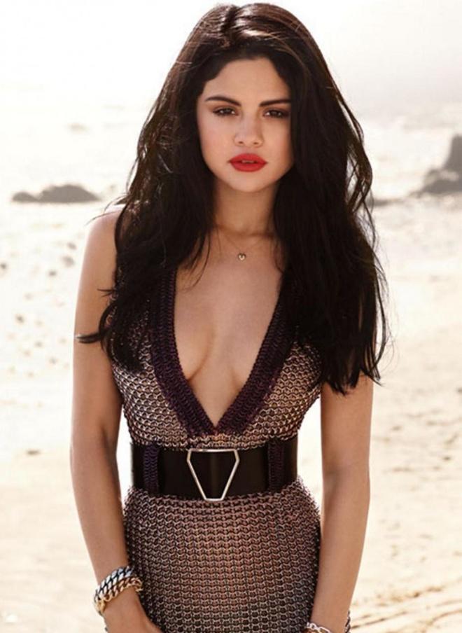 Selena Gomez nang tam phong cach voi mai toc nhuom ca tinh hinh anh 1