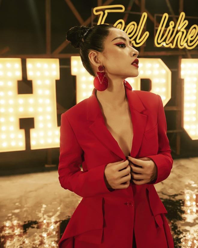 Su trung hop thu vi giua Angela Phuong Trinh va Chi Pu hinh anh 6