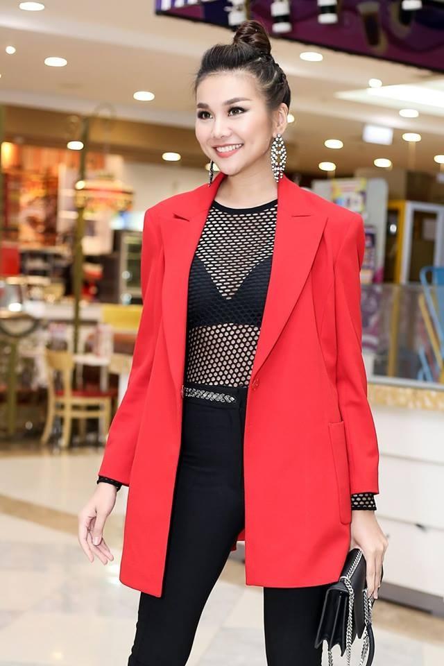 Dien ao luoi goi cam, Thanh Hang vao top sao mac dep tuan qua hinh anh 1