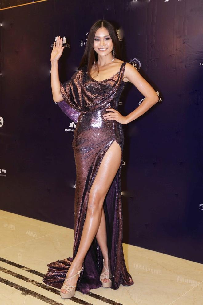 Dien ao luoi goi cam, Thanh Hang vao top sao mac dep tuan qua hinh anh 6
