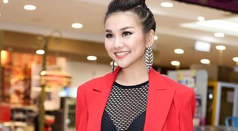Dien ao luoi goi cam, Thanh Hang vao top sao mac dep tuan qua hinh anh