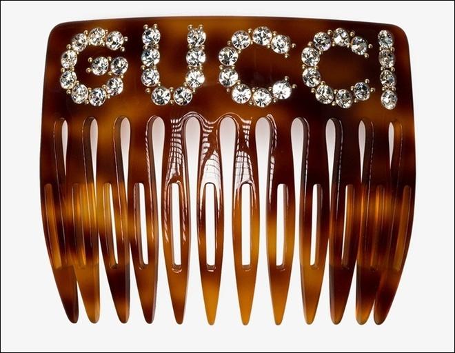 'Chiec luoc nga loi thoi' cua Gucci co gia hon 6 trieu dong hinh anh 1