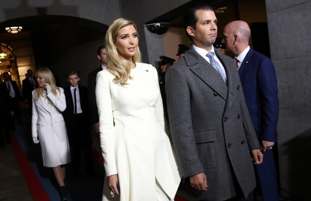 Khoanh khac thoi trang trong cac hoat dong chinh tri cua Ivanka Trump hinh anh 6