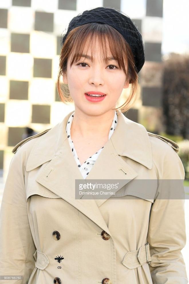 Song Hye Kyo xuat hien sen sam tai show thoi trang hinh anh 3