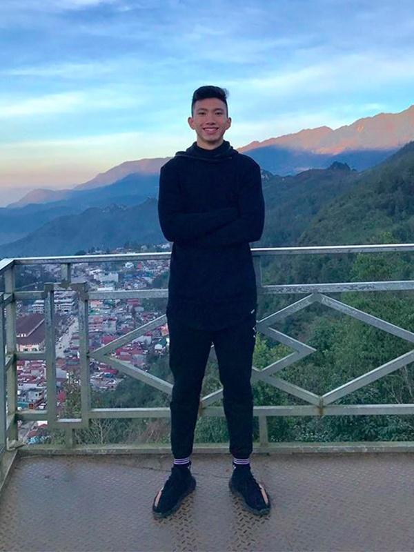 Phong cach thoi trang nam tinh cua dan cau thu U23 Viet Nam hinh anh 9