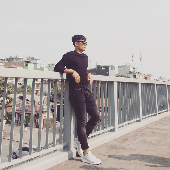 Phong cach thoi trang nam tinh cua dan cau thu U23 Viet Nam hinh anh 1