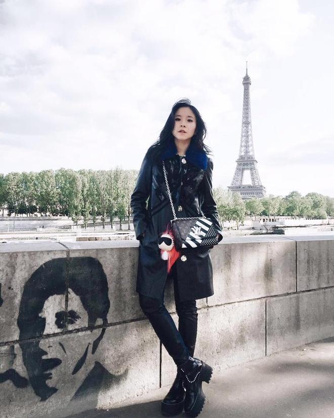 Fashionista Viet xuat hien tren Vogue tai tuan le thoi trang Paris hinh anh 6
