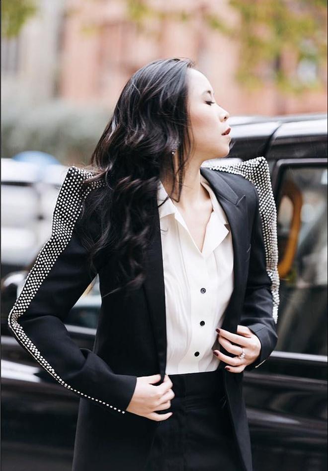 Fashionista Viet xuat hien tren Vogue tai tuan le thoi trang Paris hinh anh 1