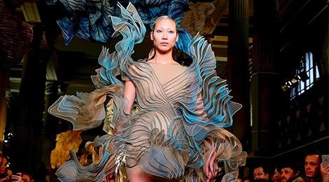 Bo suu tap an tuong tai tuan le thoi trang Haute Couture hinh anh