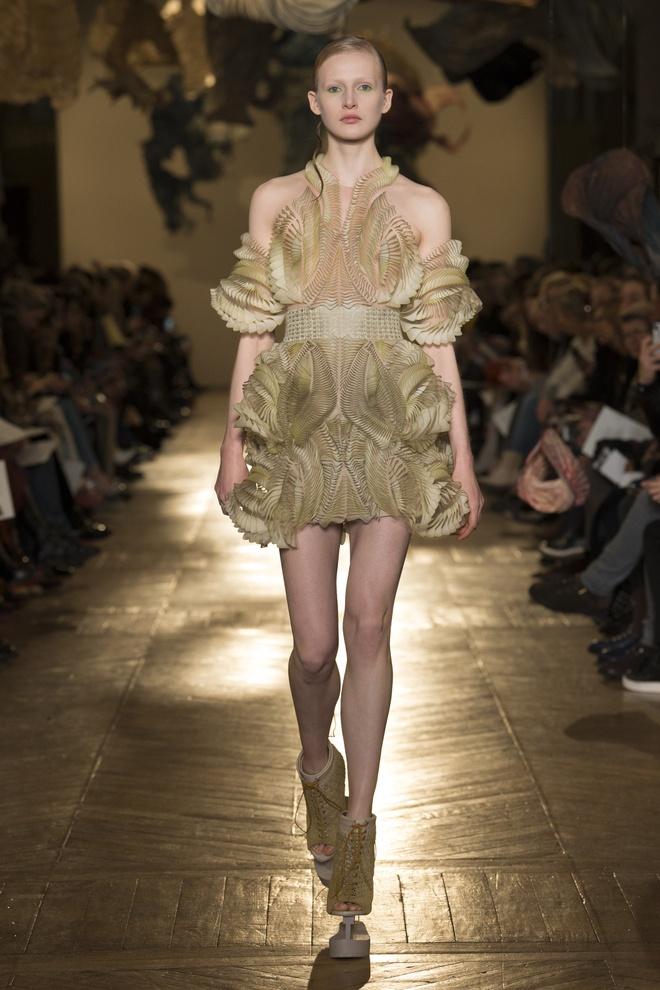 Bo suu tap an tuong tai tuan le thoi trang Haute Couture hinh anh 1