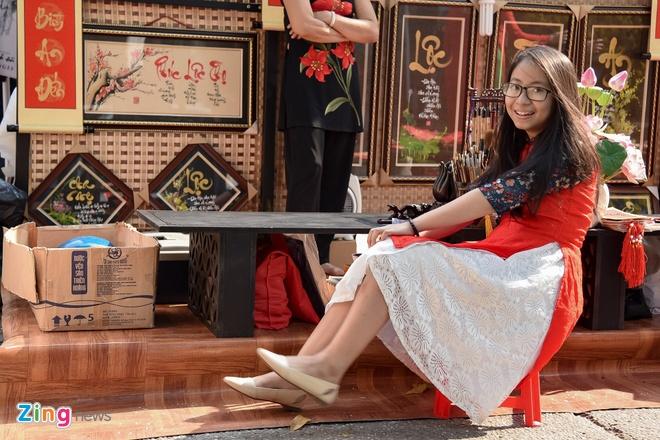 Phai dep Sai Gon no nuc dien ao dai ngay can Tet hinh anh 3