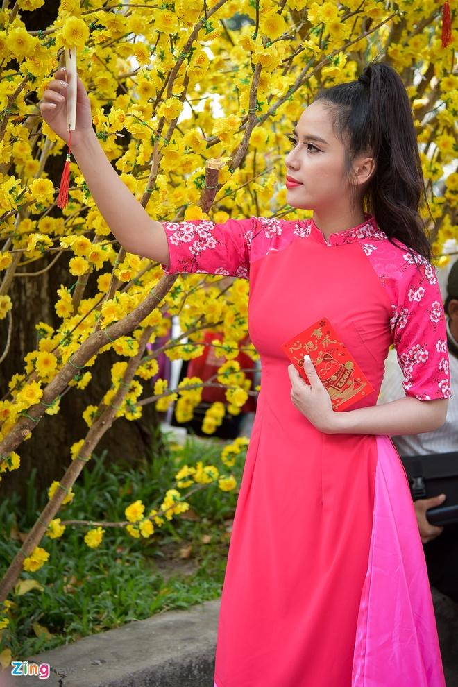 Phai dep Sai Gon no nuc dien ao dai ngay can Tet hinh anh 8