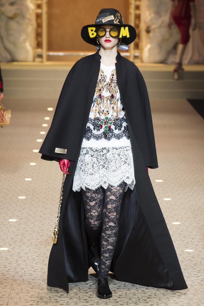 Dolce&Gabbana dung may bay thay the nguoi mau tren san dien hinh anh 13