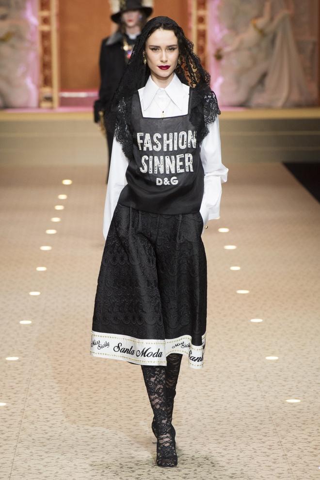 Dolce&Gabbana dung may bay thay the nguoi mau tren san dien hinh anh 4