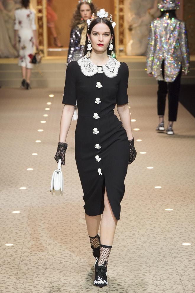 Dolce&Gabbana dung may bay thay the nguoi mau tren san dien hinh anh 11