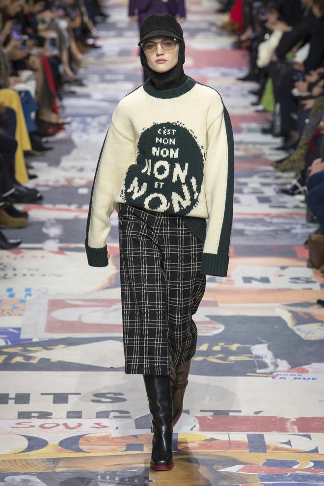 Khong chieu tro, Dior va Balenciaga van lot top noi bat tren Vogue hinh anh 1