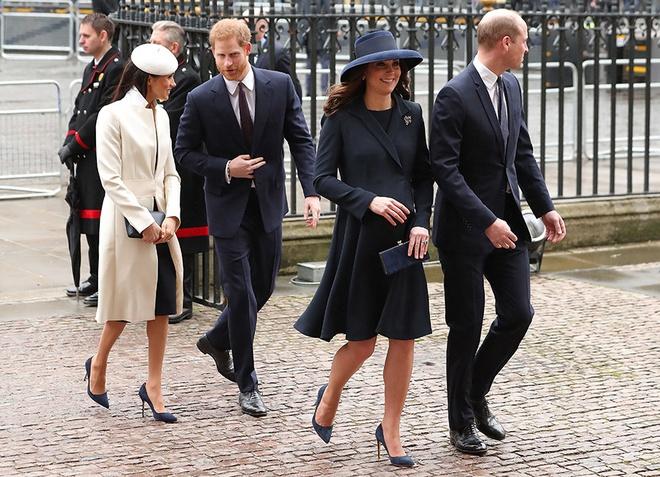 Gap Nu hoang, Meghan Markle dong dieu thoi trang voi Kate Middleton hinh anh 1