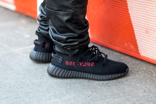 9 mau sneaker an tuong tai tuan le thoi trang 2018 hinh anh 7